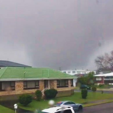 Captured on Camera: Tornado strikes through Auckland's Papatoetoe suburb – video